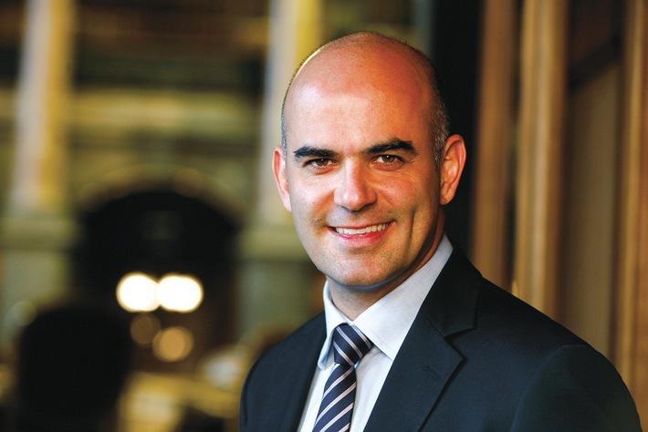 Bundesrat Alain Berset fordert verstärkte Zusammenarbeit zwischen Gesundheitsfachpersonen