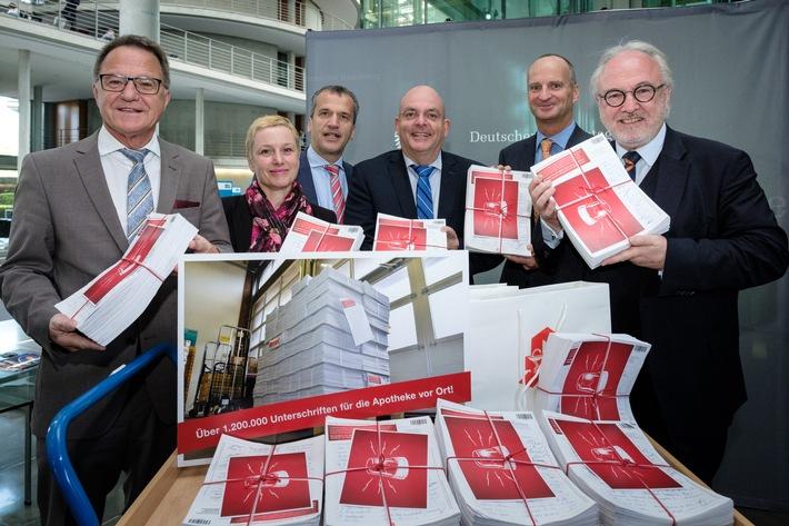 Gesundheitsausschuss: 1,2 Millionen Menschen fordern Schutz der Apotheken vor ausländischem Versandhandel
