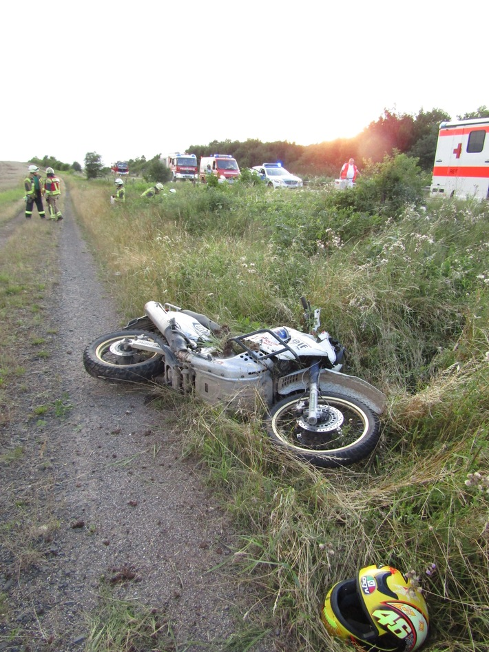 POL-PDKL: Motorradunfall, schwer verletzte Soziusfahrerin