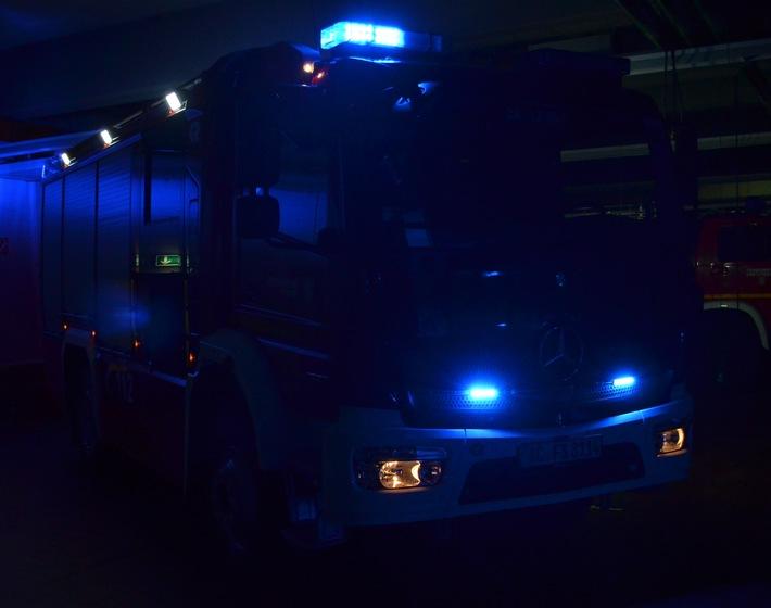 """FW-Stolberg: Zimmerbrand und eine """"vermisste Person"""" beschäftigten die Feuerwehr in der Nacht zu Silvester"""