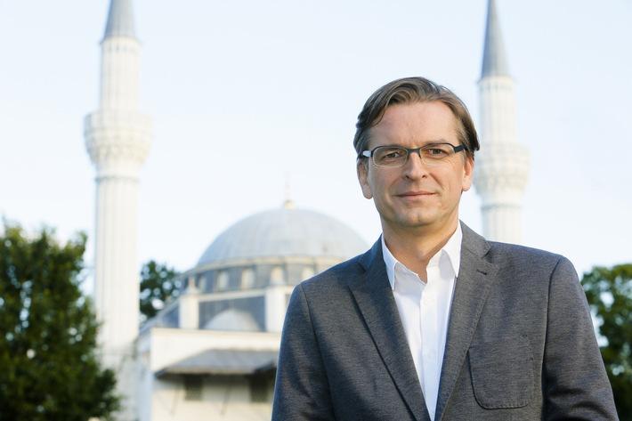 Wie islamisch ist Deutschland? Claus Strunz macht den Faktencheck - am Dienstag, 4. Oktober 2016, um 23:10 Uhr, in SAT.1