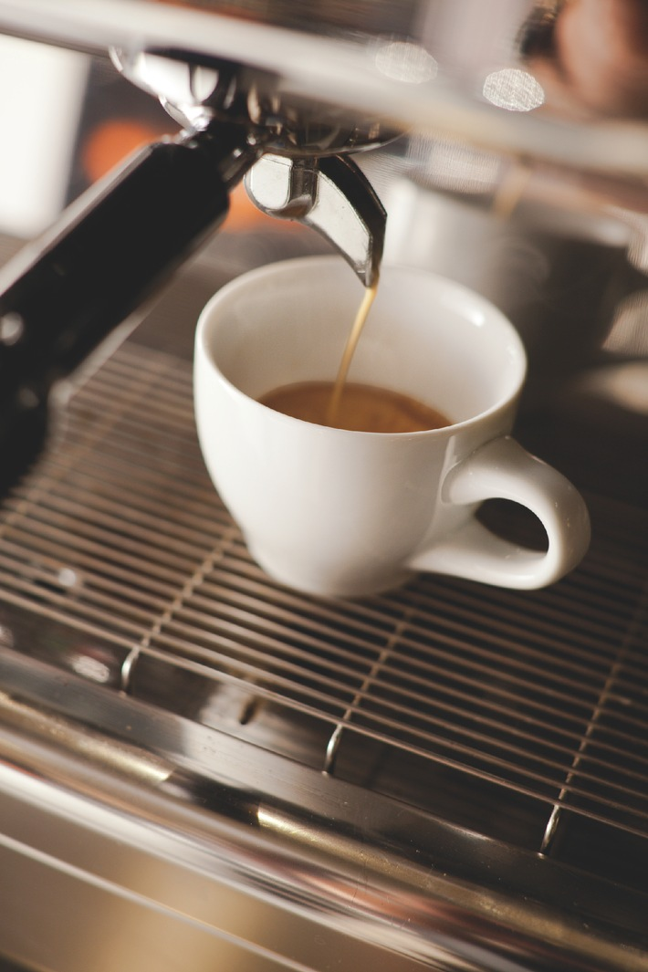 Spezielles Kaffee-Porzellan für Kenner / Café Sommelier von KAHLA ist die erste Porzellankollektion, die mit einem Kaffee-Sommelier und Baristas entwickelt wurde