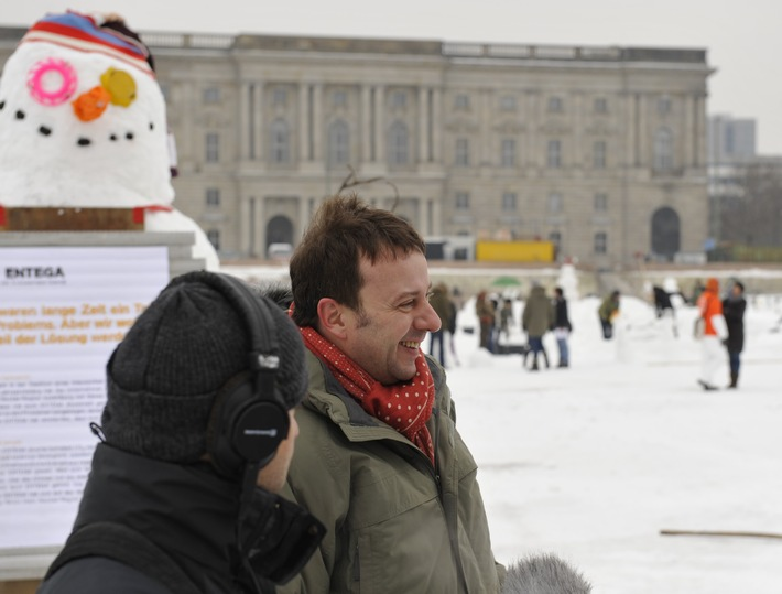 Schneemann-Demonstration auf Berliner Schlossplatz gestartet: Schneemänner demonstrieren gegen den Klimawandel (mit Bild)