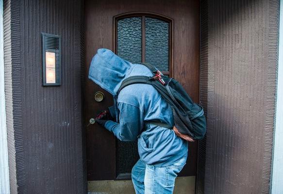 POL-REK: Einbrecher scheiterten am Hundegebell - Elsdorf