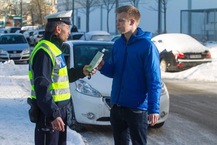 Auch am Morgen danach auf Nummer sicher / Restalkohol gefährdet Sicherheit und Führerschein