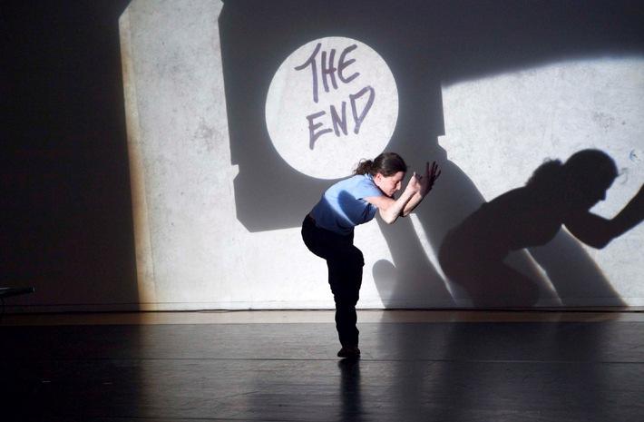 PREMIO 2010 - Nachwuchspreis für Theater und Tanz  Humorvolle Interaktion mit einem Hellraumprojektor