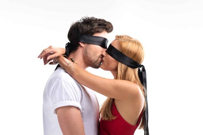 """Liebe auf den ersten Kuss? """"Kiss Bang Love"""" - Die neue Dating-Show auf ProSieben"""