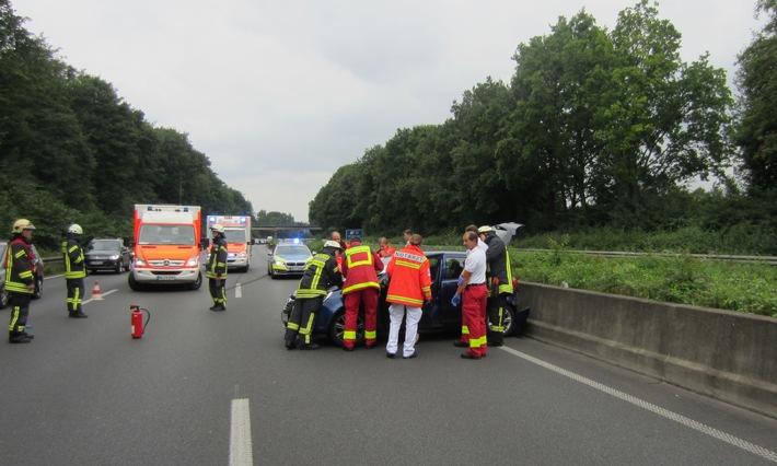FW-MH: Verkehrsunfall BAB 40 - zwei leicht Verletzte Personen #fwmh