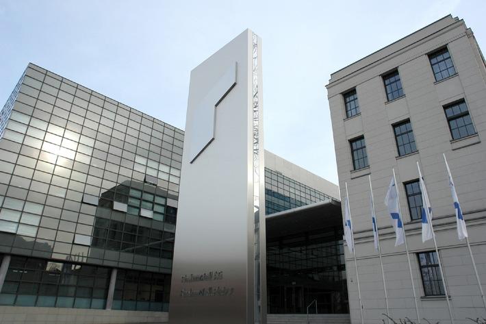 EANS-News: Rheinmetall AG / Rheinmetall meistert die Automobilkrise und steigert Ergebnis bei Defence - In 2010 Rückkehr zu früherer Ertragsstärke