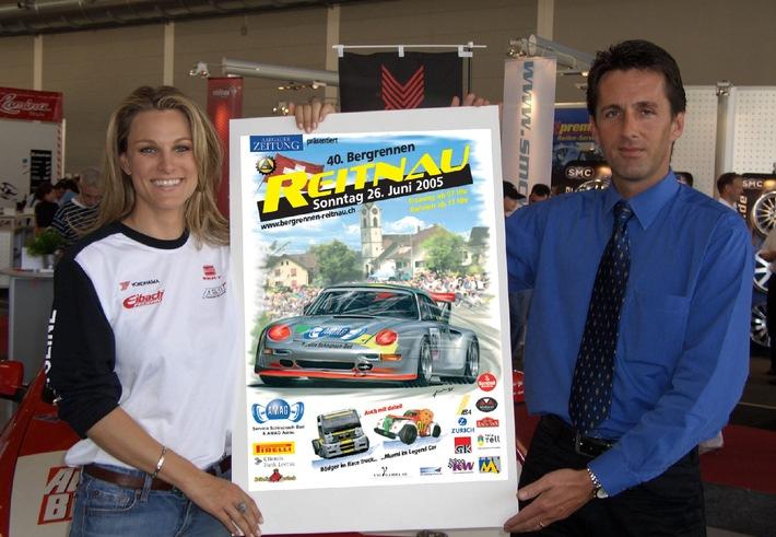 Bergrennen Reitnau - Christina Surer enthüllt neues Plakat