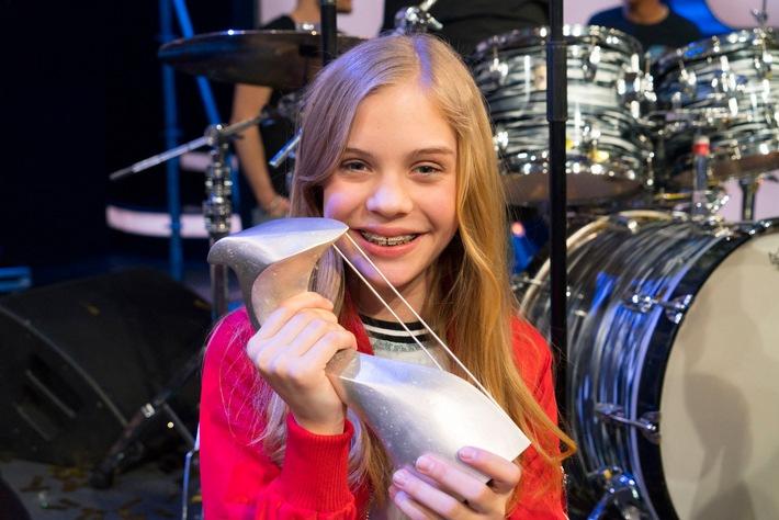 """""""Dein Song"""" 2017: Antonia (12) aus Berlin jubelt als """"Songwriterin des Jahres""""! / Siegersong """"Reality"""" begeistert die """"Dein Song""""-Zuschauer"""