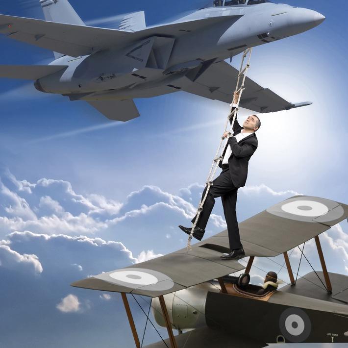 """Warum gab's den ersten Fallschirm 90 Jahre vor dem ersten Flugzeug? """"History Now!"""" im April auf ProSieben"""
