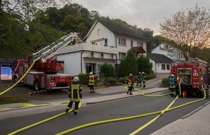 FW-OE: Wohnungsbrand in Lennestadt-Maumke - Verletzt wurde niemand
