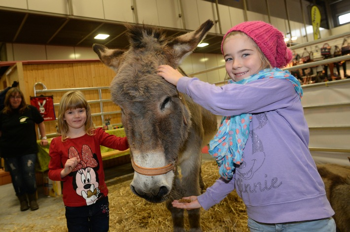 """Horseday4Kids"" macht HIPPOLOGICA Berlin 2015 zum größten Klassenzimmer der Hauptstadt"