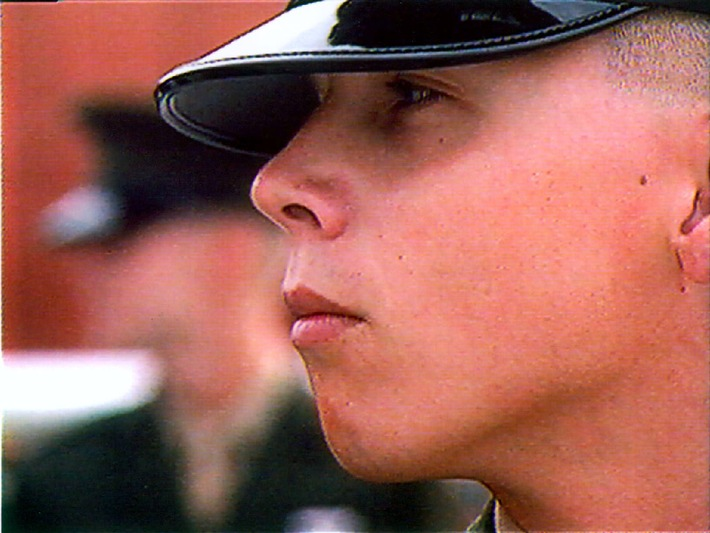 """""""24 Stunden"""" Folge: """"Im Camp der Ledernacken: Ein Deutscher bei den Marines"""" am 07.11.2000 um 00:55 Uhr in SAT.1"""