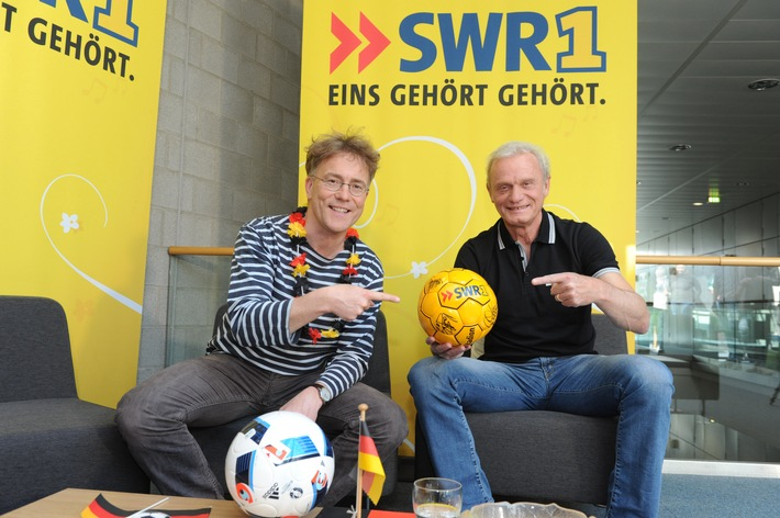 """""""Deutschland wird Europameister ... das ist logisch."""" / Hans-Peter Briegel in der Sendung """"Leute"""" von SWR1 Rheinland-Pfalz"""