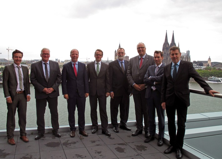 Stadtwerke-Kooperation plant 500 Millionen-Investment in Wind und Sonne / Trianel weitet Engagement bei Erneuerbaren Energien aus
