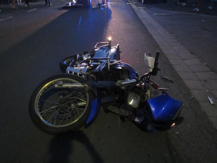 Stark beschädigtes Motorrad