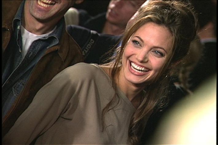 """Hochzeitsfieber in Hollywood! sixx kommt Angelina Jolie und Brad Pitt ganz nah - am """"großen Brangelina-Tag"""", am Samstag, 11. August 2012, ab 11.45 Uhr"""