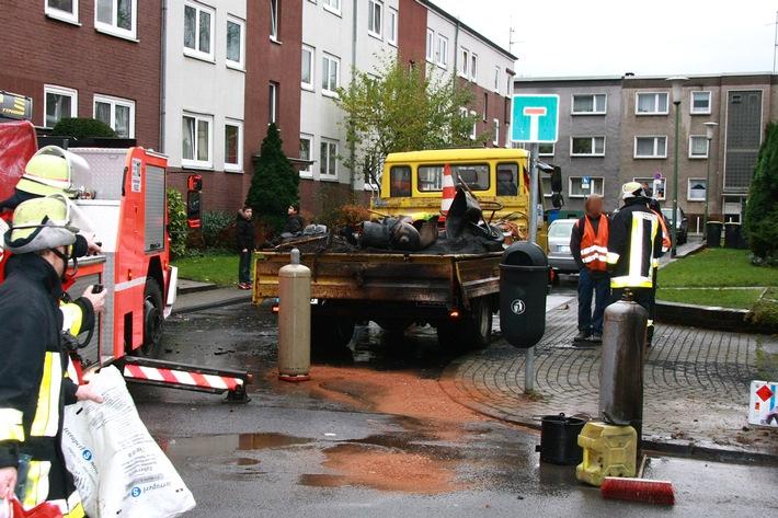 FW-E: Gasflasche auf LKW explodiert, glücklicherweise nur Sachschäden