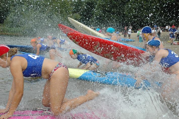 Favoriten siegen am Altwarmbüchener See / Nationale Rettungssportserie zeigt Sport auf hohem Niveau