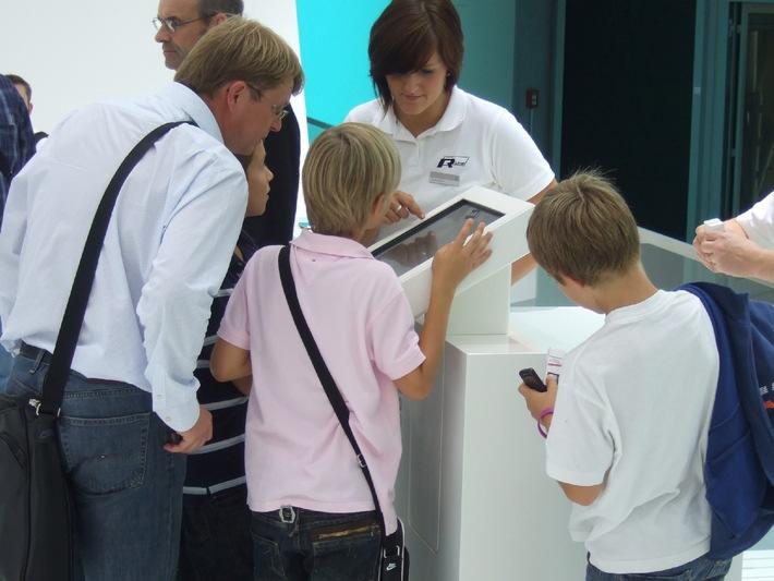 Golf R und Scirocco R kommen auf das Handy - Volkswagen setzt auf Bluetooth Marketing Lösung von Haase & Martin