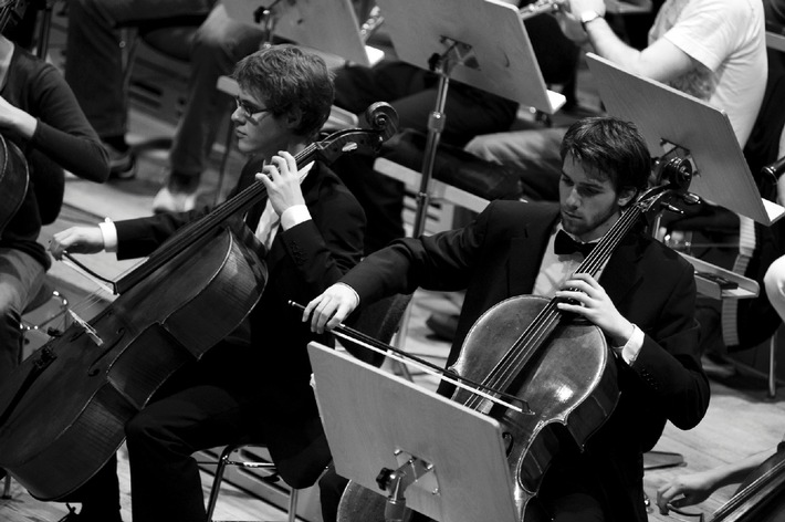 Orchestre Symphonique Suisse des Jeunes - Création pour guitare à 13 cordes