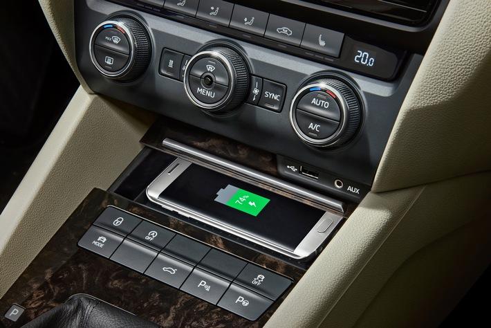 Neuer SKODA Superb mit aufgewerteter Ausstattung und neuen Technik-Highlights