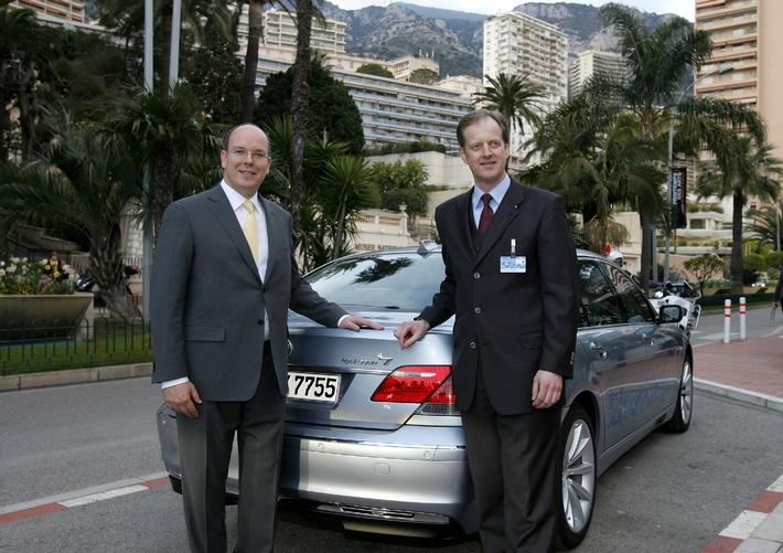 Prinz Albert II. erhielt Schlüssel für BMW Hydrogen 7 / Übergabe im Rahmen der Umweltmesse EVER MONACO