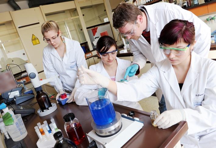 Dr. O. K. Wack Chemie GmbH mit zweistelligem Umsatzwachstum  durch Qualität und Individualität