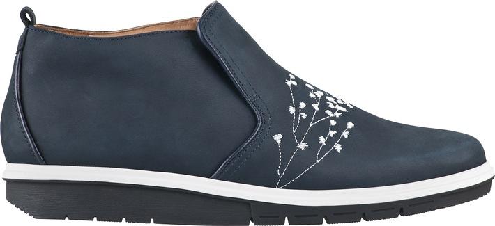 Wie Schuhe den Rücken entlasten und stärken können:GANTER-Sortiment mit AGR-Gütesiegel ausgezeichnet