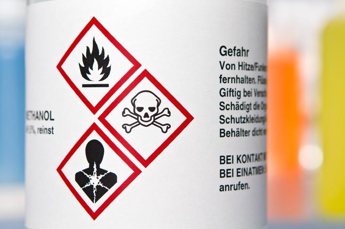 Gefährliche Gemische brauchen neue Etiketten / Die letzte Frist zur Einführung der CLP-Kennzeichnung läuft ab