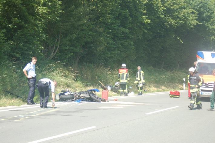 FW-EN: Schwerer Verkehrsunfall mit zwei Motorrädern - Zwei Rettungshubschrauber im Stadtgebiet-