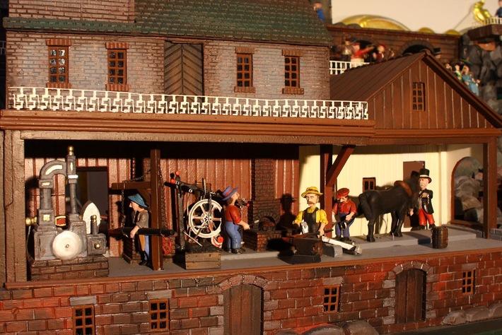 Weihnachts-Sammler-Börse: Sonderausstellung - Das mechanische Dorf