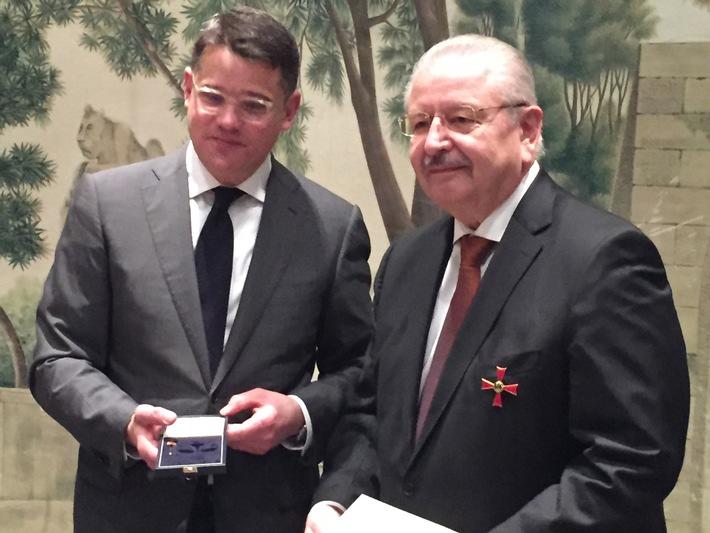 Verdienstkreuz 1. Klasse für ZDK-Präsident Karpinski