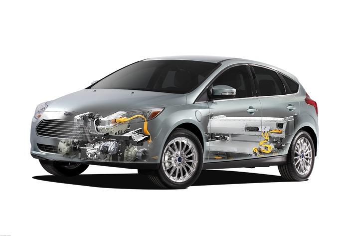 """Ford-Werke und Naturstrom schließen Vertrag über """"grünen"""" Strom"""