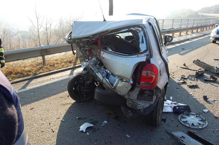 POL-PDKL: Verkehrsunfall auf B 48 bei Alsenz ,zwei Personen schwer verletzt
