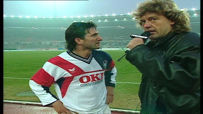 25 Jahre Bundesliga bei Sky: Am 2. März 1991 fand die erste Live-Übertragung eines Bundesliga-Spiels im Pay-TV statt