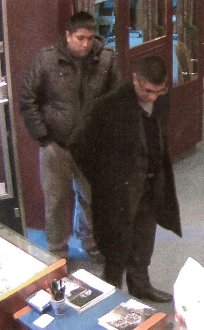 POL-MFR: (2325) Zeugen nach Betrug bei Goldankauf gesucht - Bildveröffentlichung