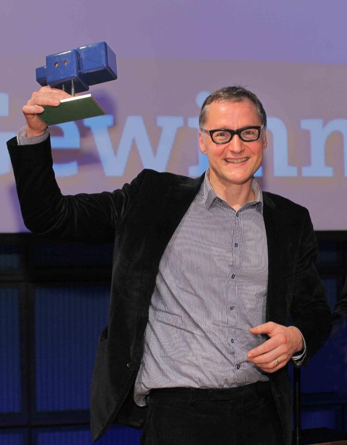 """Deutscher Hörspielpreis der ARD für """"Alfred C."""" (DKultur/HR) / Jury würdigt Radiostück von Hermann Bohlen / ARD Online Award geht an """"Wann wo oder Eine gewisse Anzahl Gespräche"""" (HR/DLF)"""