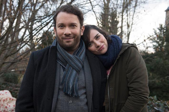 """Im Tatort """"Tot aber lebendig"""" (AT) ermitteln Nora Tschirner und Christian Ulmen zum vierten Mal im Auftrag des MDR in Weimar"""