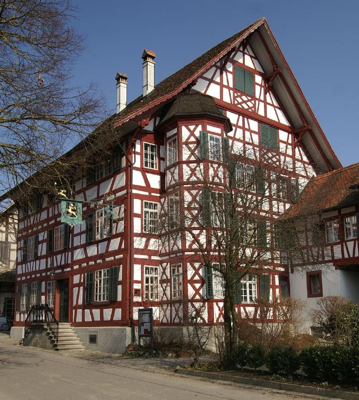 Le Gasthof zum Hirschen à Oberstammheim est l'«Hôtel historique de l'année 2014» / L'hôtel Jugendstil Paxmontana à Flüeli-Ranft reçoit le prix spécial 2014