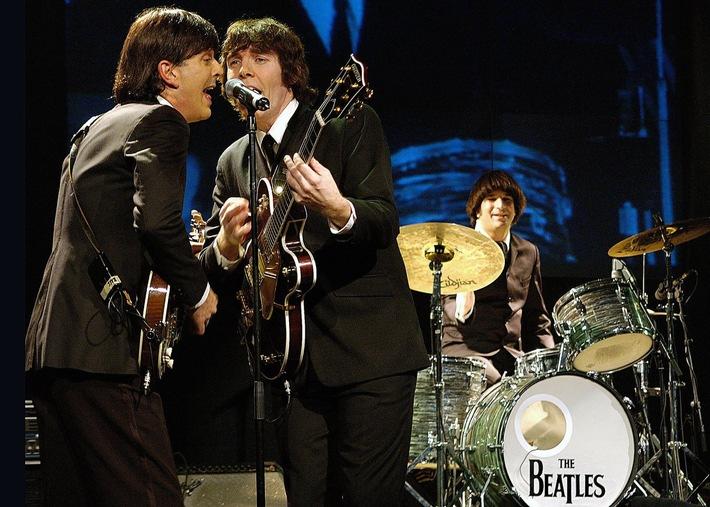 """Dieser Sommer rockt / Estrel Berlin feiert Buddy Holly, Elvis und """"50 Jahre Beatles"""" mit Show-Specials (mit Bild)"""