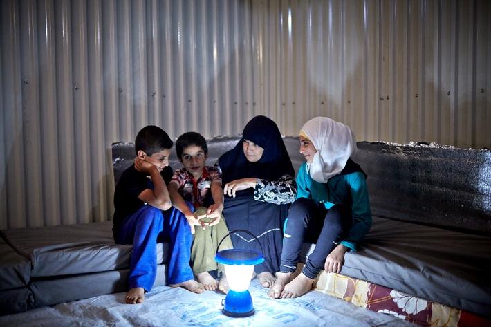 Die IKEA Foundation unterstützt UNHCR bei der Beleuchtung von Flüchtlingslagern / Licht schafft ein sichereres Leben für Flüchtlinge