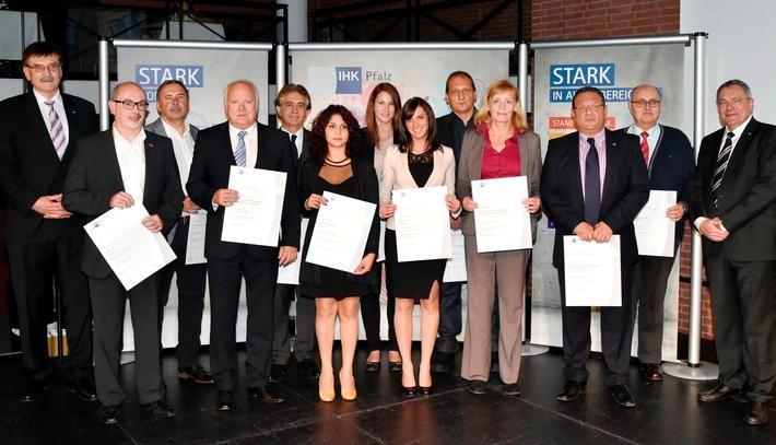 BKK Pfalz für herausragende Leistungen in der Berufsausbildung ausgezeichnet
