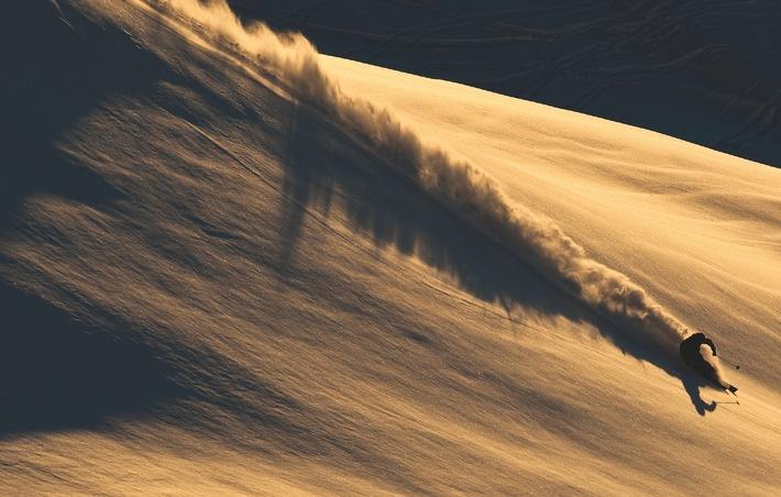 """Neuer Ski von Schweizer High-Tech Marke / Skis weiter im Vormarsch bei Schweizer Snowboard Pionier """"Radical"""""""