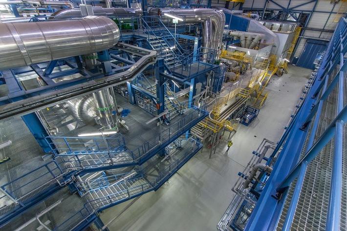 """Weltmeister der Flexibilität: Gas-und-Dampfturbinen-Heizkraftwerk """"Niehl 3"""" ist offiziell in Betrieb gegangen"""