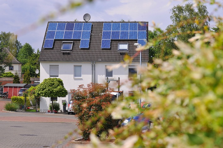 Neu auf der Intersolar: Mehr Strom vom Dach mit smarter Steuerung