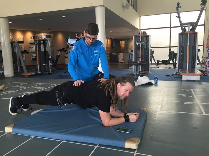 COMPUTER BILD-Test: Viele Fitness-Apps überfordern Nutzer und verursachen Haltungsschäden