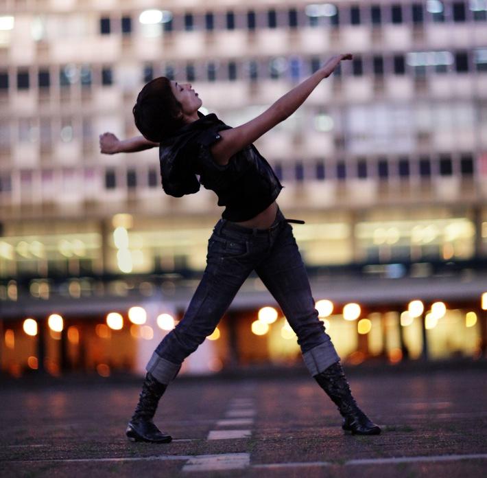 Internationales Tanzfestival des Migros-Kulturprozent vom 22. April bis 13. Mai 2010  Steps#12: Die Welt tanzt an
